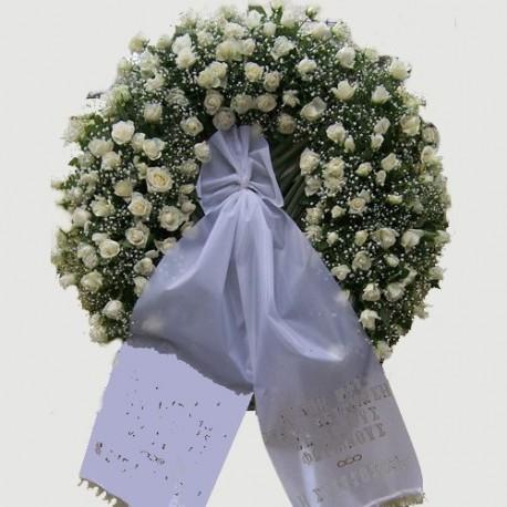 Wreath white roses